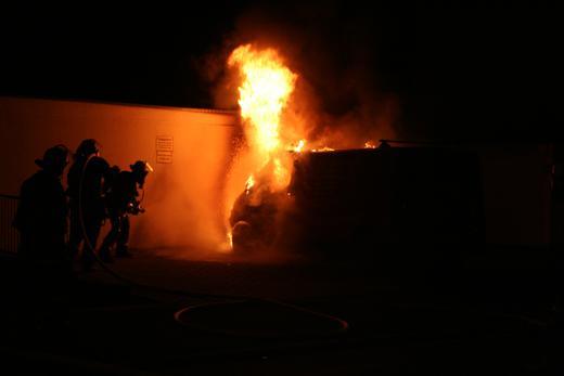 Auto in Brand geraten